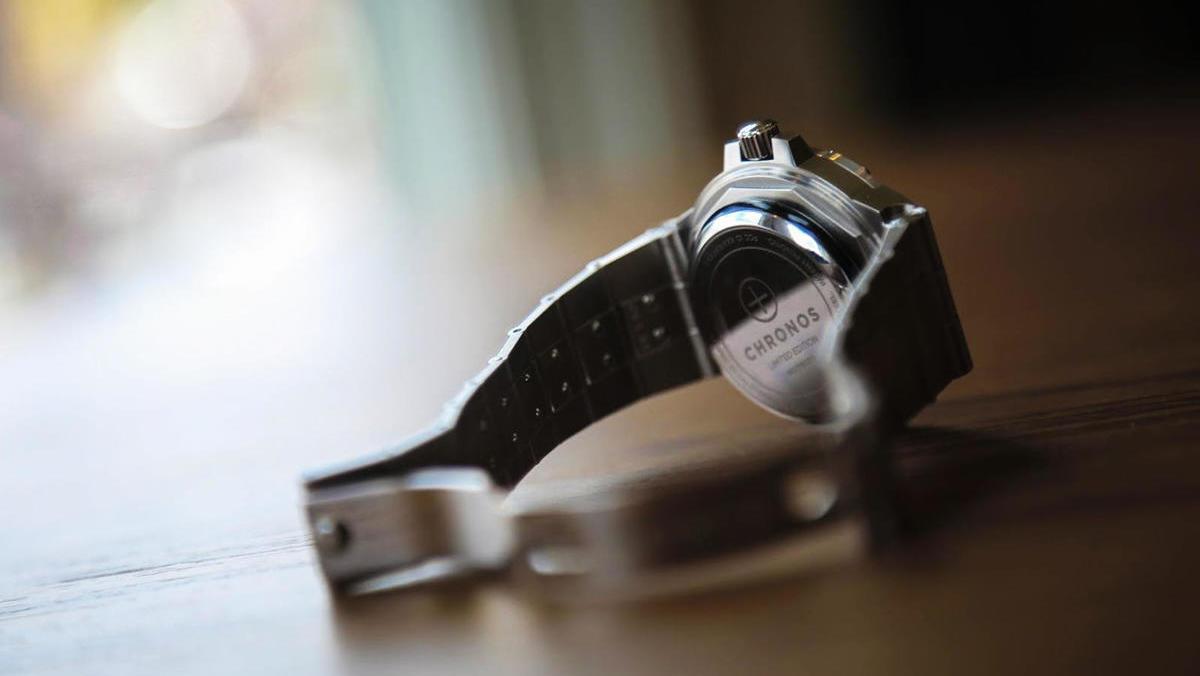 0b7a3c5170e1 Chronos  Transform any watch into a smartwatch